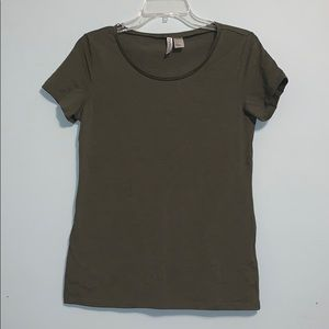 Divided H&M t shirt